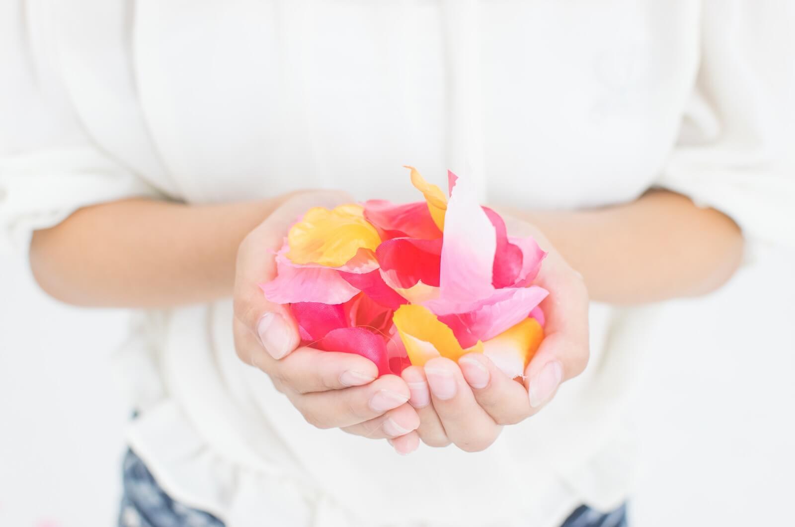 手のひらいっぱいの花びら