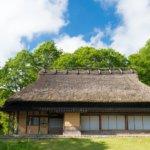 古民家と新緑(岡山県鏡野町うたたねの里)